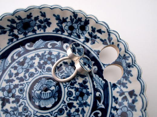 Delft Blue Birds Ring, 2013. plate of Delft Blue earthenware by De Porseleyne Fles Delft, silver